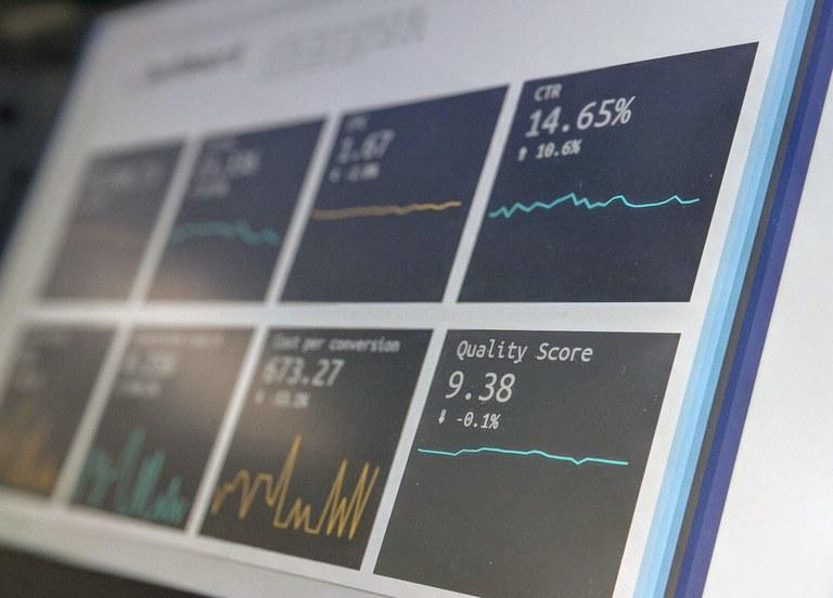 De fasen om te transformeren naar een data gedreven organisatie..jpg